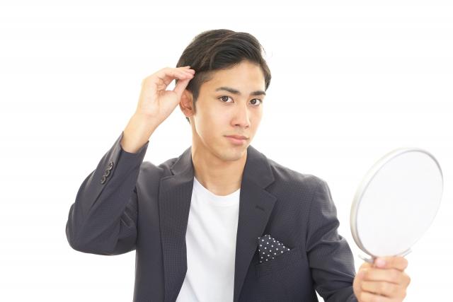 老け顔 男性 髪型